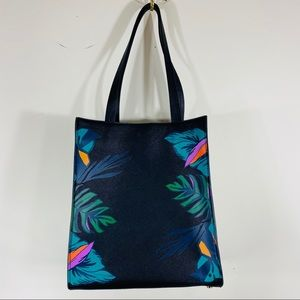A NEW DAY | Tall Leaf Floral Tote